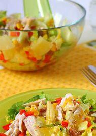 Tavuklu ananaslı yeşil salata