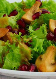 Tavuklu mantarlı yeşil salata